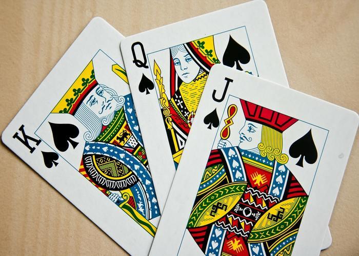 tirada-de-tres-cartas-min