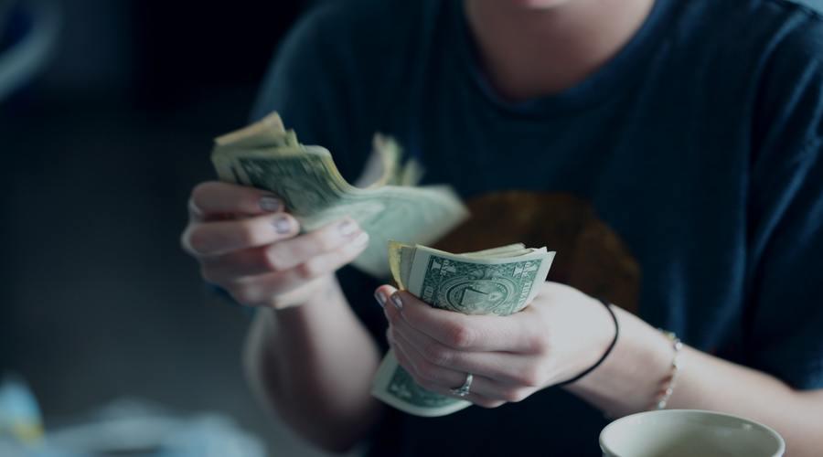 El color de vela mas efectivo para el dinero